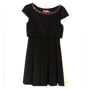 👛Betsey Johnson Black cocktail dress Size 4 👛